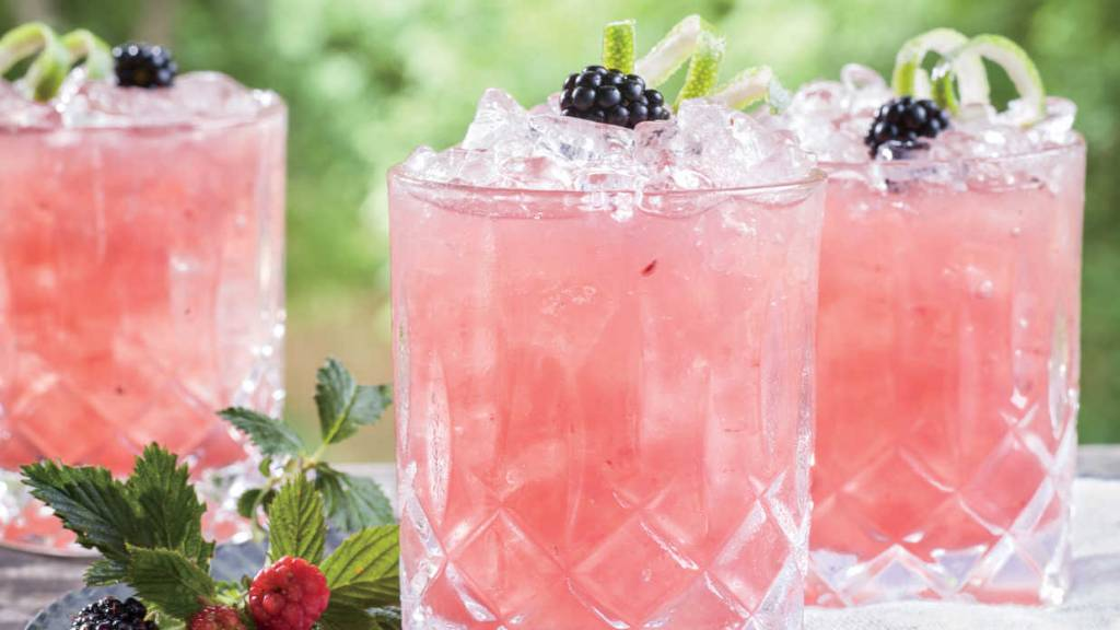 whiskeymade signature pink whiskey wedding drinks